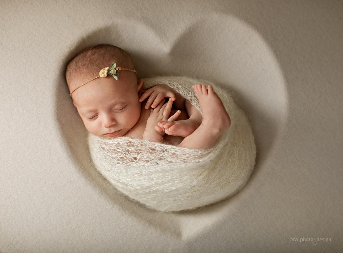nyföddfotograf, nyföddporträtt, nyfödd, ramlösa, skåne, helsingborg