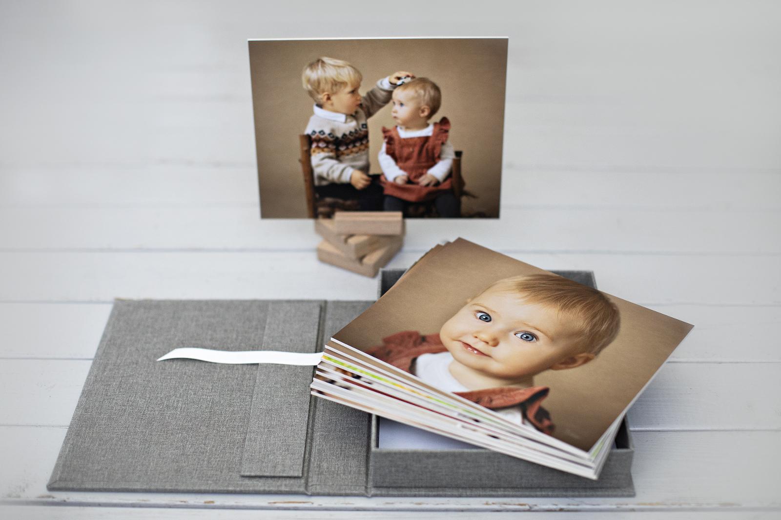 bilder i box, barnfotografering, fotoprodukt, barnporträtt, ramlösa, Fotostudio, fotograf ramlösa, fotograf Helsingborg