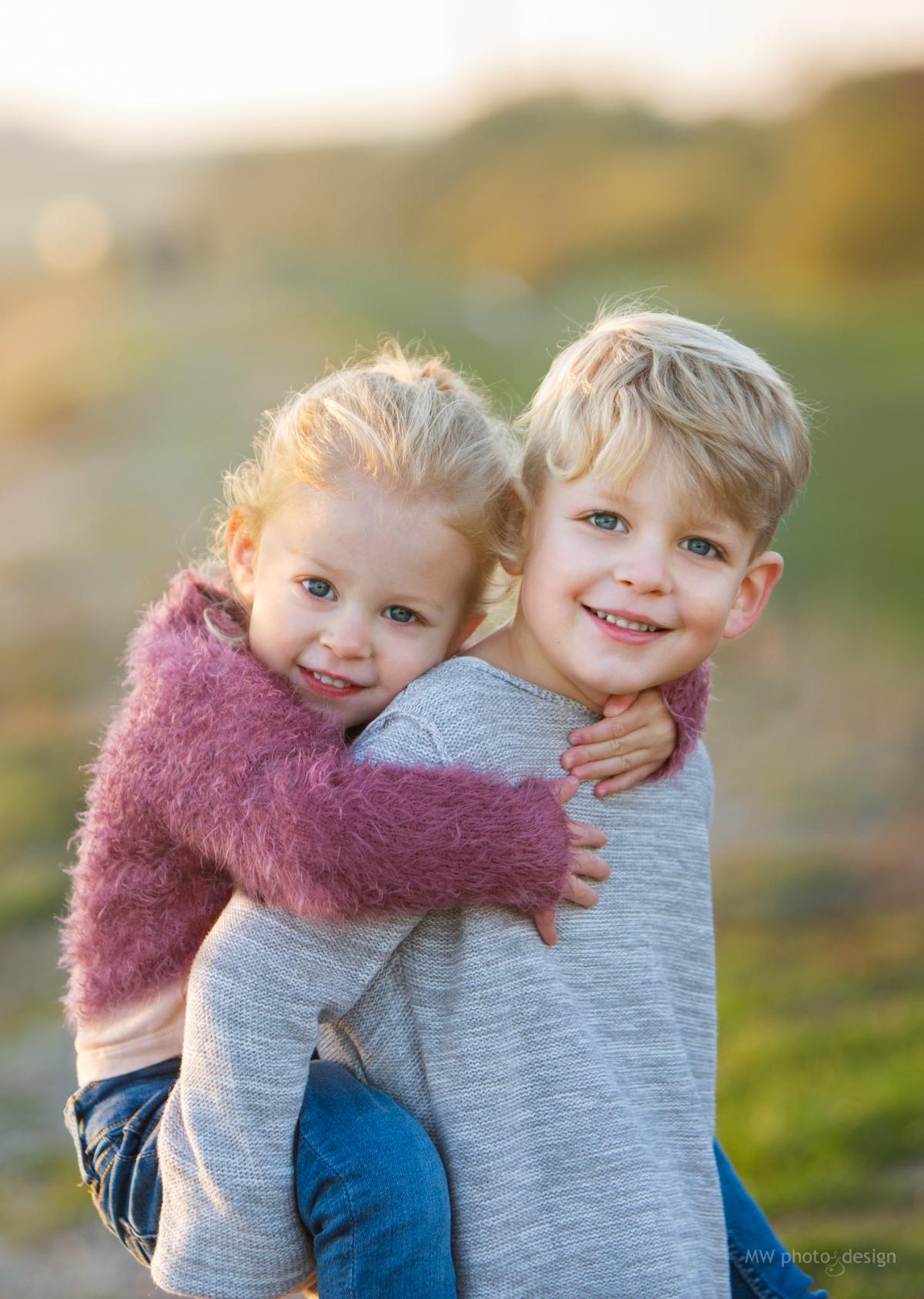 barnfotografering, kvällsfotografering, råå vallar, barnfotograf, familjefotograf, fotografhelsingborg, fotograframlösa, ramlösa,