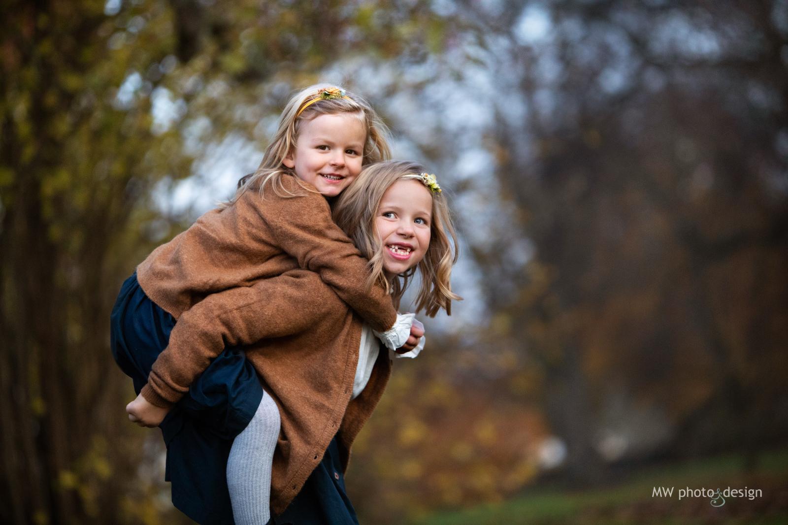 Brunnsparken, barnfotografering, barnfotograf, familjefotograf, fotograf i helsingborg, fotograf i Skåne, fotograf i ramlösa, mw photo&design, marie Walther, porträttfotograf, studiofotografering